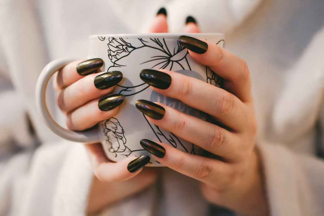Photo by Pexels. Easy nail care tips.