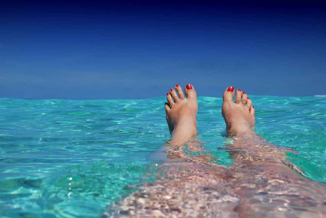 Photo by Pixabay on Pexels.com. 6 ways to relax your tired feet, Tips from Sharvi.
